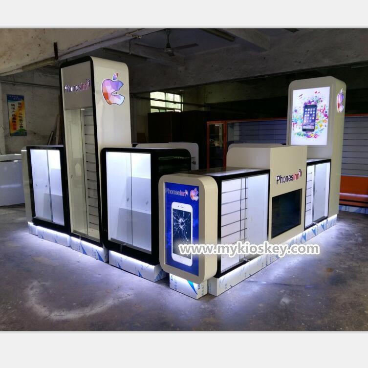 phone case display kiosk