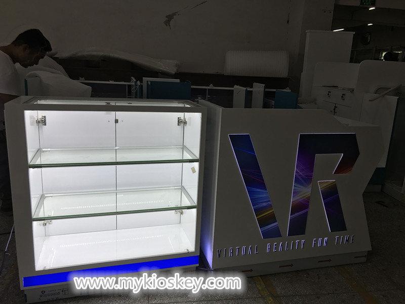 VR vending kiosk