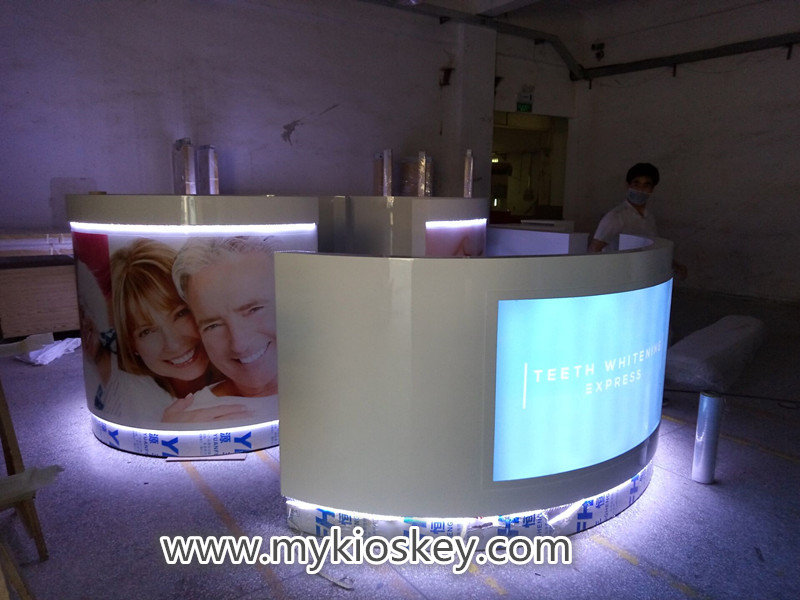 Red Color E cigarette Display Showcase Wooden