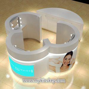 Teeth-whitening kiosk
