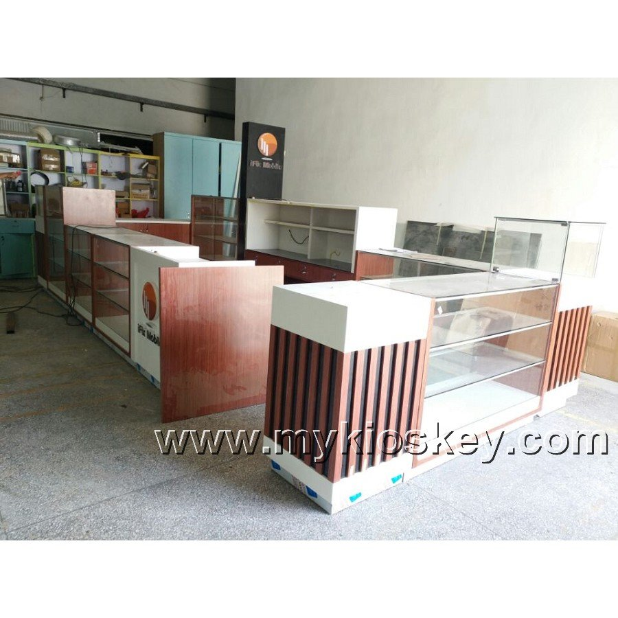 Phone shop interior decoration and wooden cell phone accessories