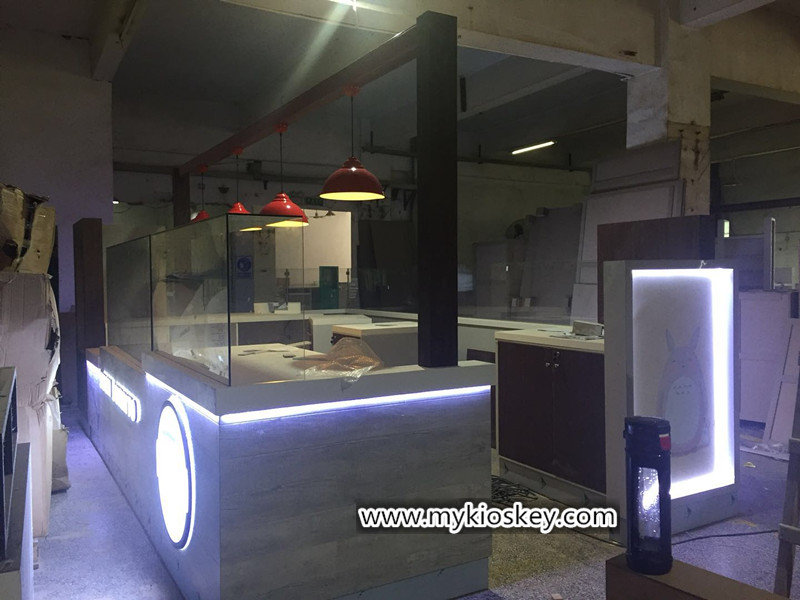 mobile phone retail kiosk