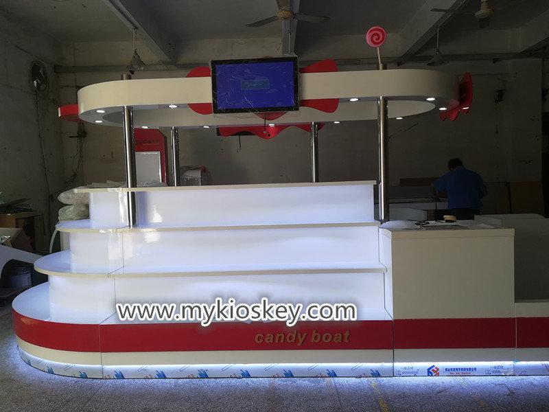 mall candy kiosk