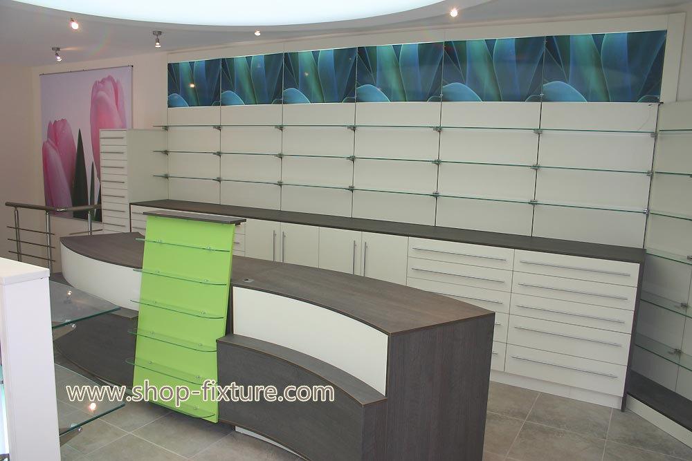 retail pharmacy shop