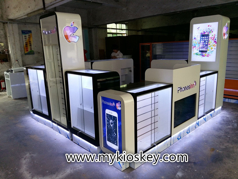 phone accessories kiosk