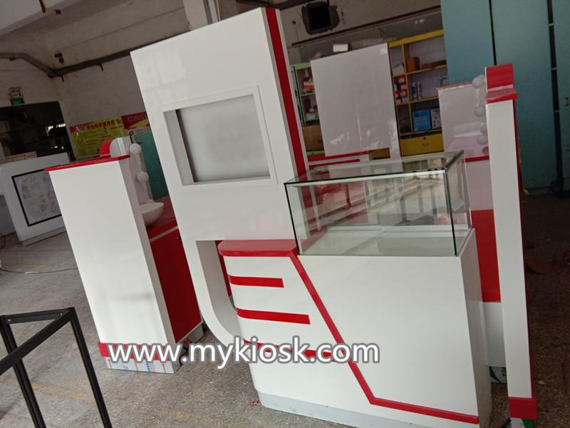 eyebrow service kiosk